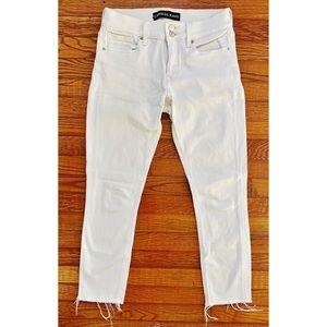 white, cropped skinny jean